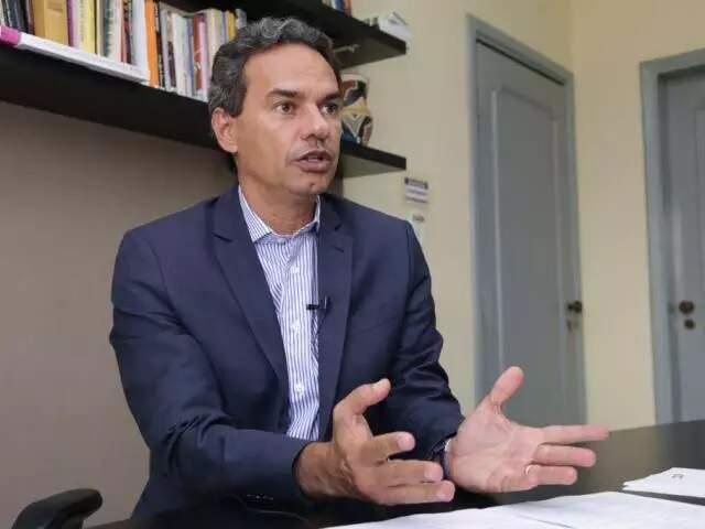 Marquinhos Trad (PSD) durante entrevista no ano passado (Foto: Kisie Ainoã - Arquivo)