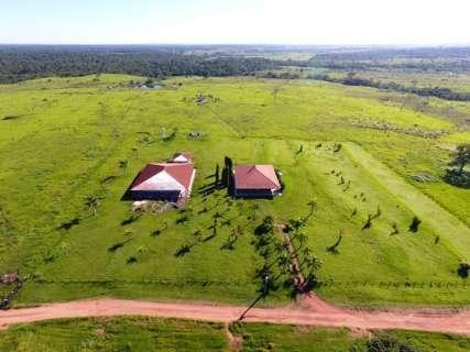 """Paraguai vai confiscar mais 12 fazendas e 80 casas de """"Cabeça Branca"""""""