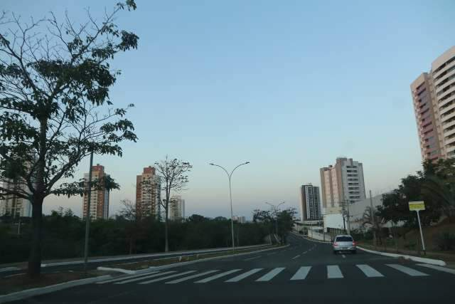 Meteorologia prevê terça-feira de céu claro e máxima de 32°C na Capital