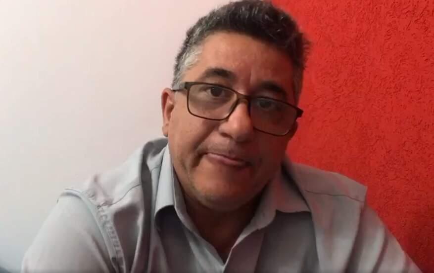 Pastor Davi Godoy em vídeo publicado na manhã de hoje, no Facebook (Foto: Reprodução)