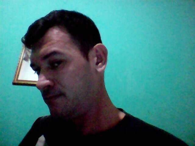 Foto postada em segundo perfil no nome de Hugleice Silva no Facebook. (Foto: Reprodução da internet)