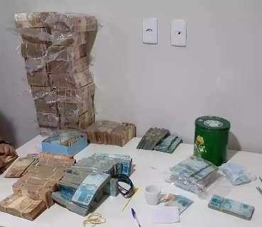 """Operação com 85 alvos em MS descobriu """"mesada"""" de R$ 4 mil para presos do PCC"""