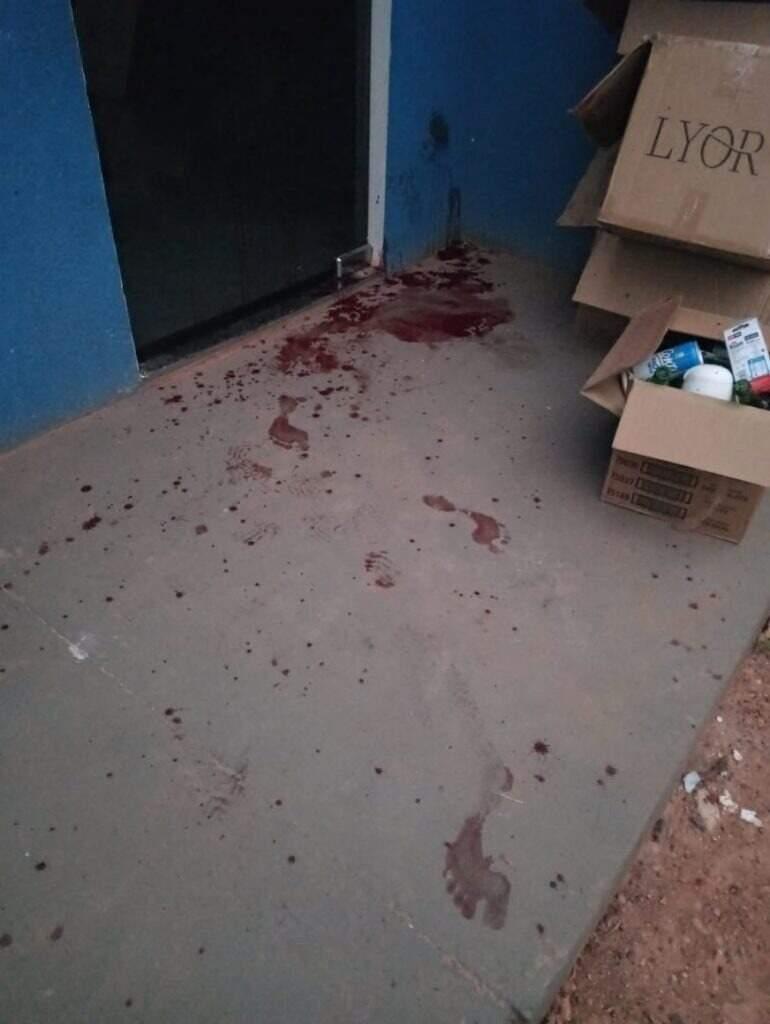Marcas de sangue na cena do crime (Foto: Polícia Civil/Divulgação)
