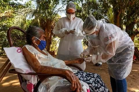 Após proibição, equipes dos Médicos Sem Fronteiras combatem covid em 11 aldeias