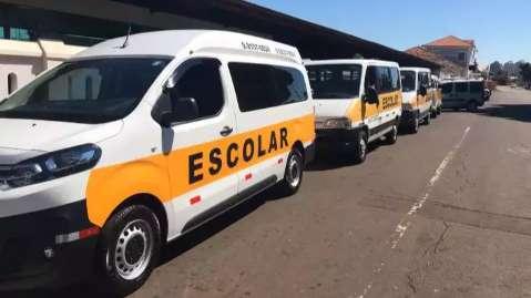 Por aplicativo, vans escolares já podem transportar passageiros