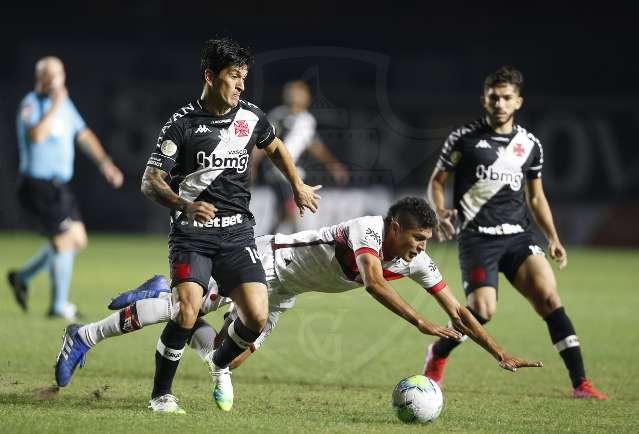 Vasco leva virada do Atlético-GO e perde chance de se aproximar dos líderes