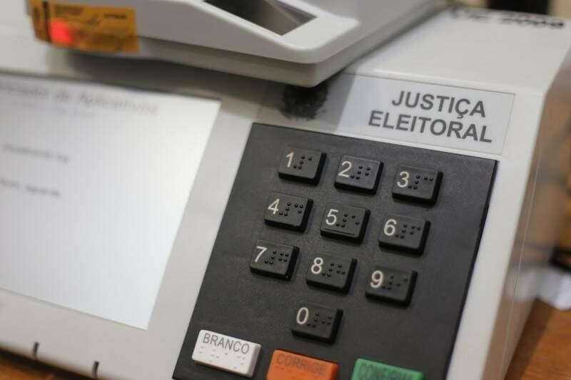 Urna de votação da Justiça Eleitoral. (Foto: Arquivo/Campo Grande News)