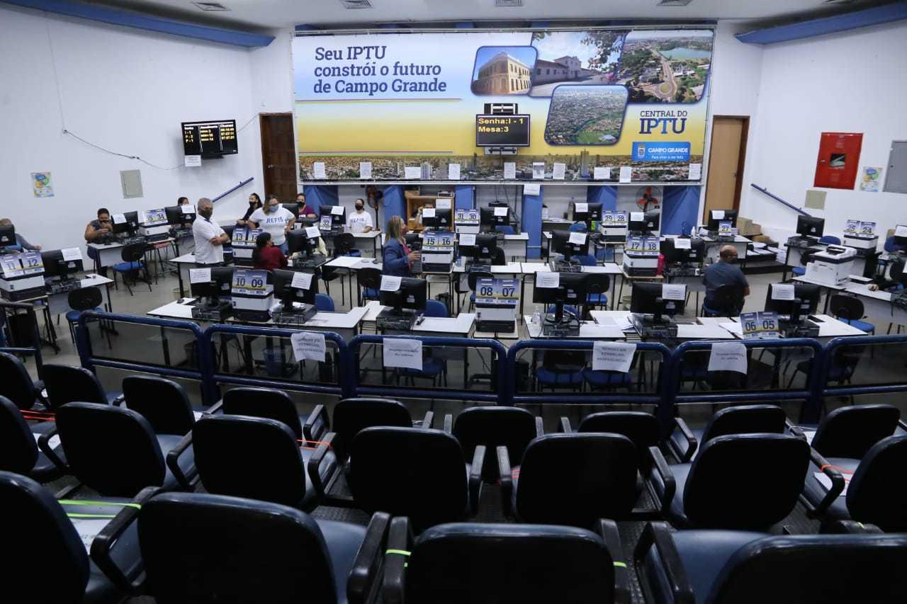Central de Atendimento abre no sábado para atender contribuintes (Foto: Kísie Ainoã/Arquivo)