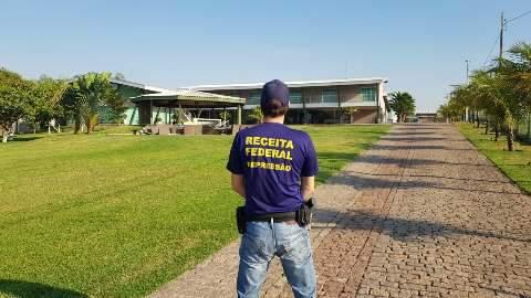 """Resort e fazendas são confiscados de """"porteira fechada"""" em ação da PF contra clã"""