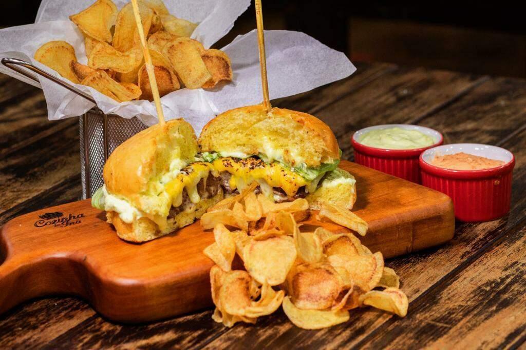 Hambúrguer suculento para os apaixonados por carne e lanches. (Foto: Ali Gonçalves)