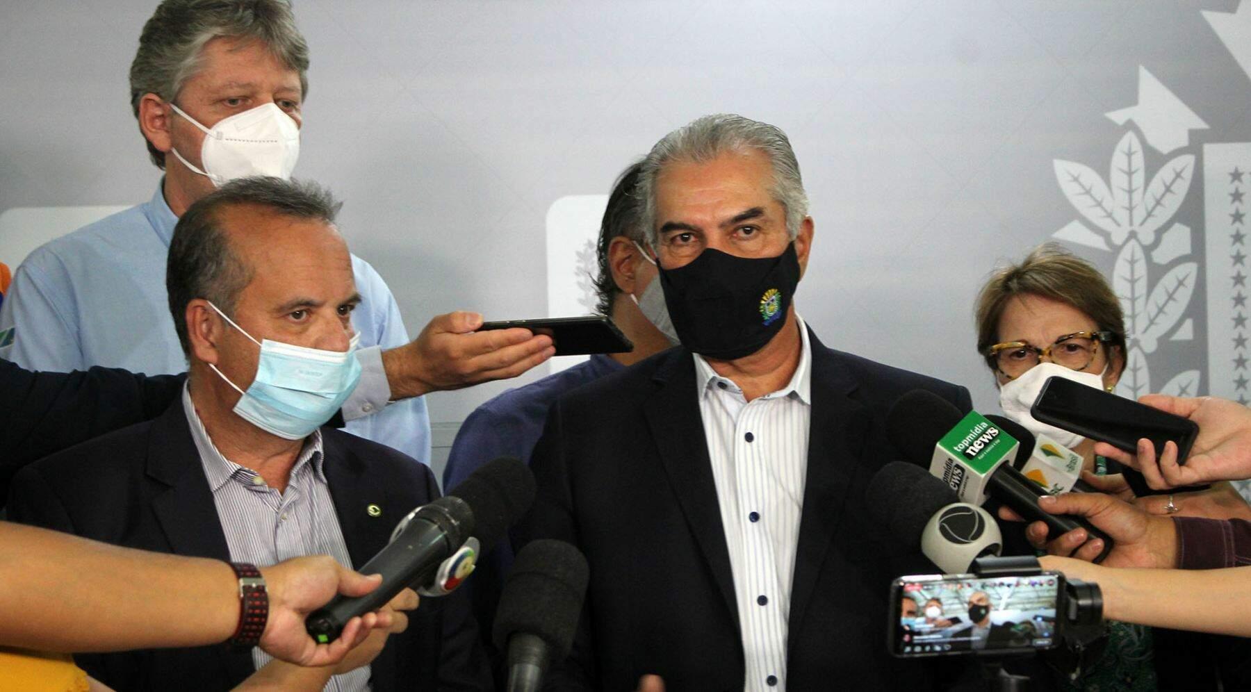 Ministro, ao lado do governador, veio a MS assinar a liberação dos recursos. (Foto: Chico Ribeiro/Governo de MS)