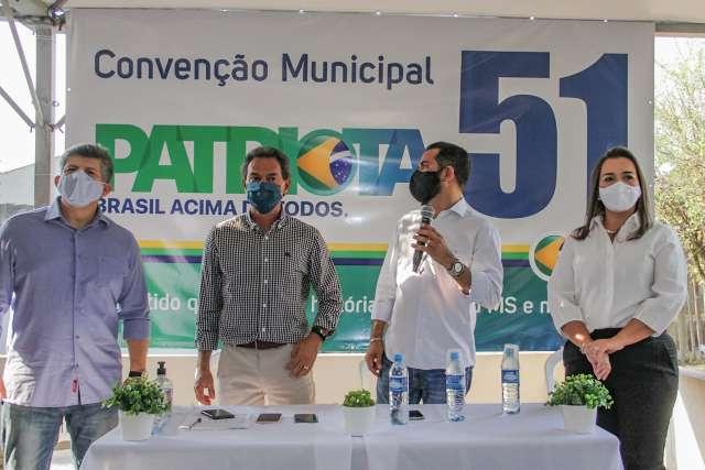 Patriotas confirma Adriane como vice e lança 44 candidatos a vereador