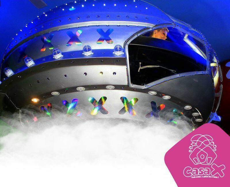 Brinquedo famoso, nave da Xuxa, da Casa X vai permanecer somente porque não é aberta aos convidados, só para aniversariante. (Foto: Divulgação/Casa X)