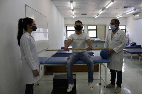 Pacientes com sequelas da covid tem tratamento gratuito em universidade