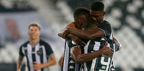 Com gol de Matheus Babi, Botafogo vence Vasco na Copa do Brasil