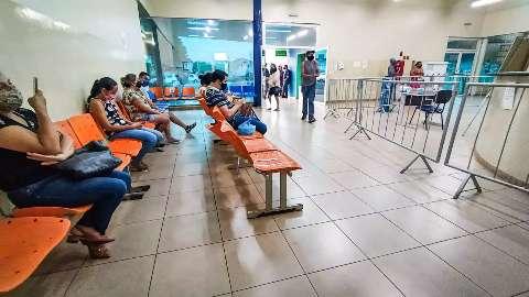 """Na Capital, pacientes esperam até 9 dias """"na fila"""" por vaga em hospitais"""