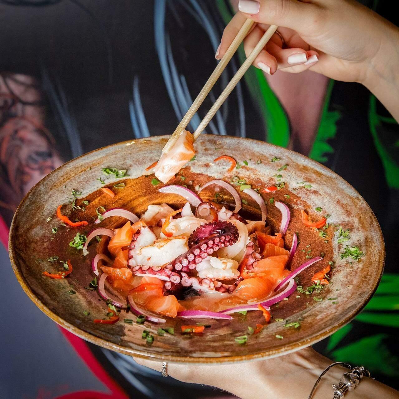Cardápio tem variedade de pratos orientais. (Foto: Amanda  de Marchi)
