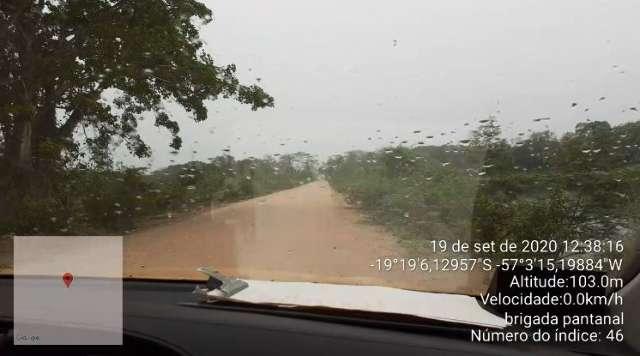 Brigadistas são surpreendidos por chuva rápida no Pantanal