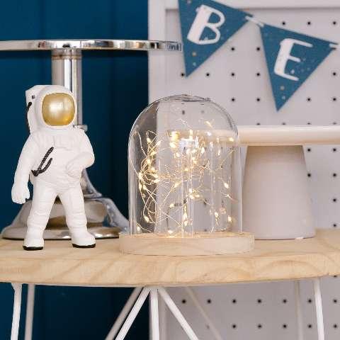 Festas pequenas ficam mais bacanas com decoração clean e minimalista