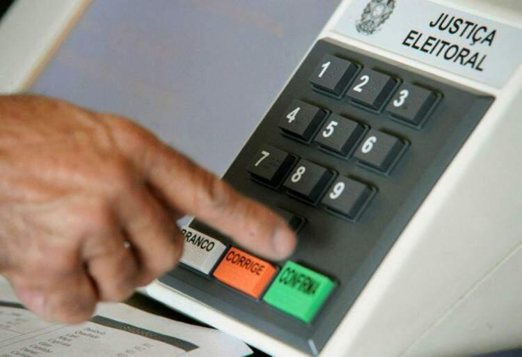 Imagem da urna eletrônica usada nas eleições (Foto: Elza Fiúza - Agência Brasil)