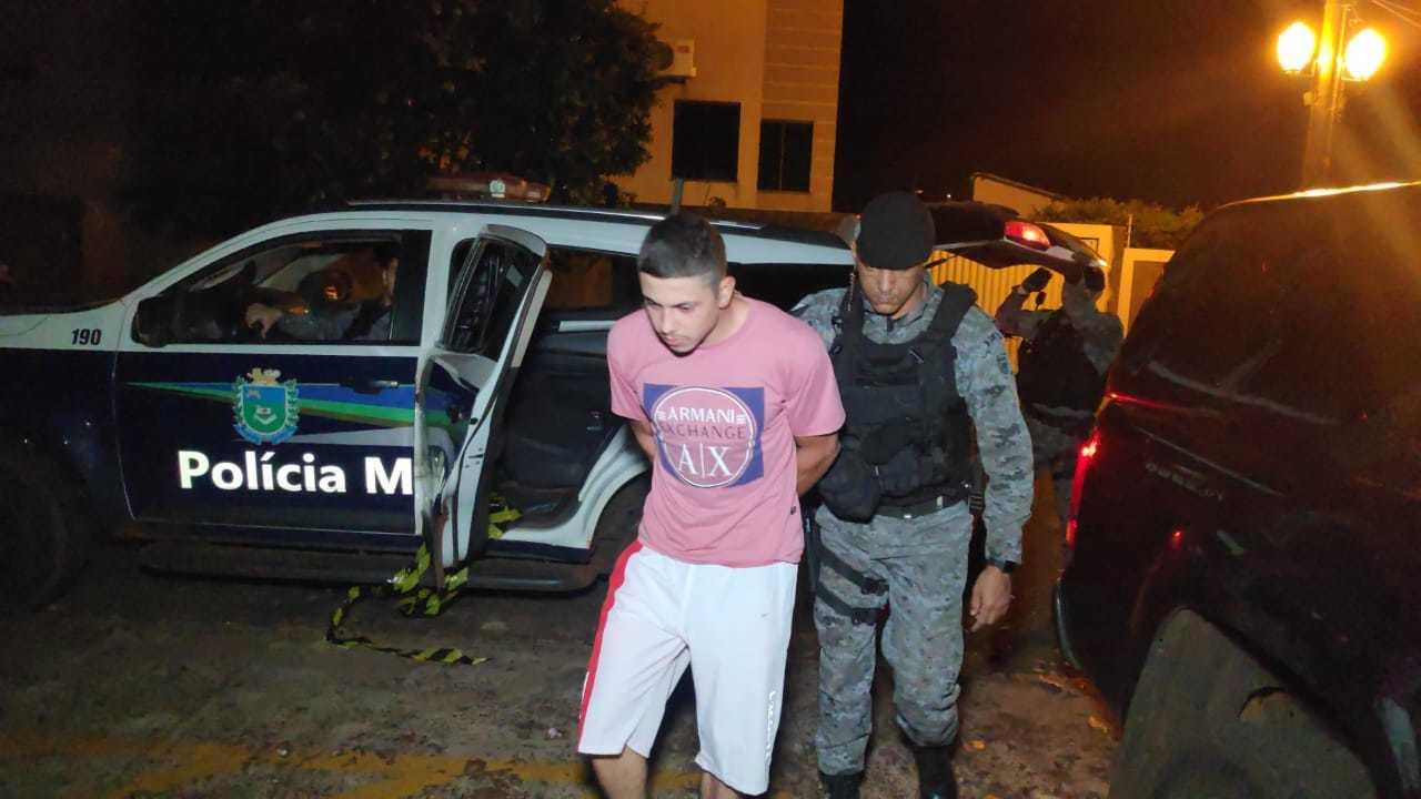 Eric foi preso em casa e confessou ter matado homem a golpes de faca (Foto: Adilson Domingos)