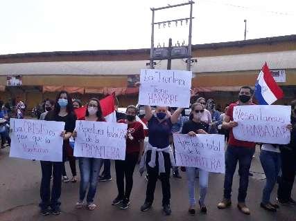 """""""A fronteira tem fome!"""", gritam paraguaios para cobrar fim de bloqueio"""