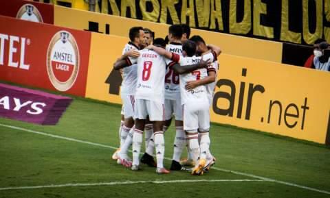 Flamengo mostra superação, vence no Equador e encaminha vaga na Libertadores