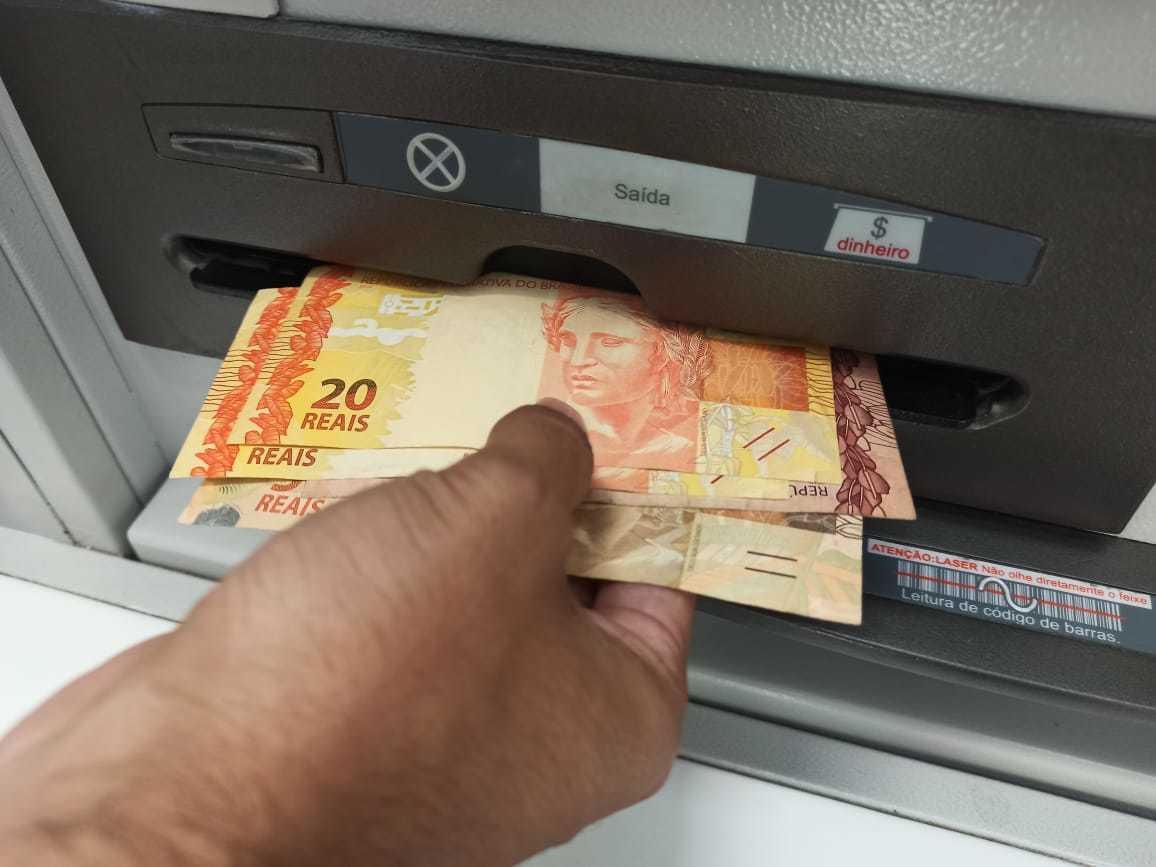 Valores liberados nesta terça-feira para saque vão de R$ 300 a R$ 600. (Foto: Kísie Ainoã)