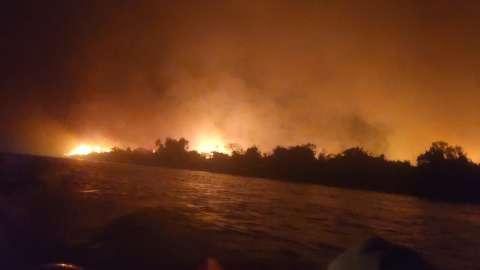 Chuva não dá conta e fogo persiste no Pantanal, Taquari e Ilha Grande