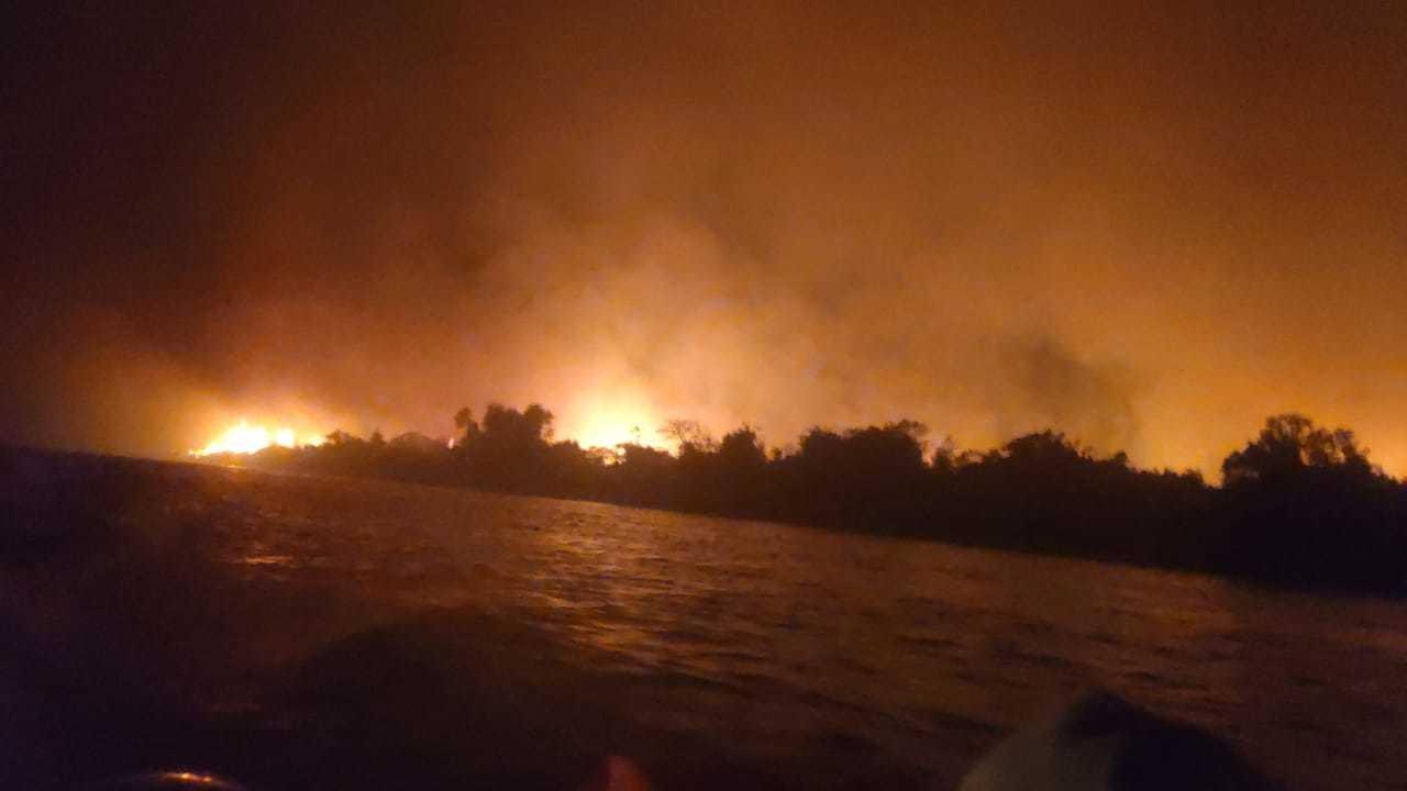 Bombeiros registram grande foco de incêndio na Serra do Amolar (Foto: Divulgação)