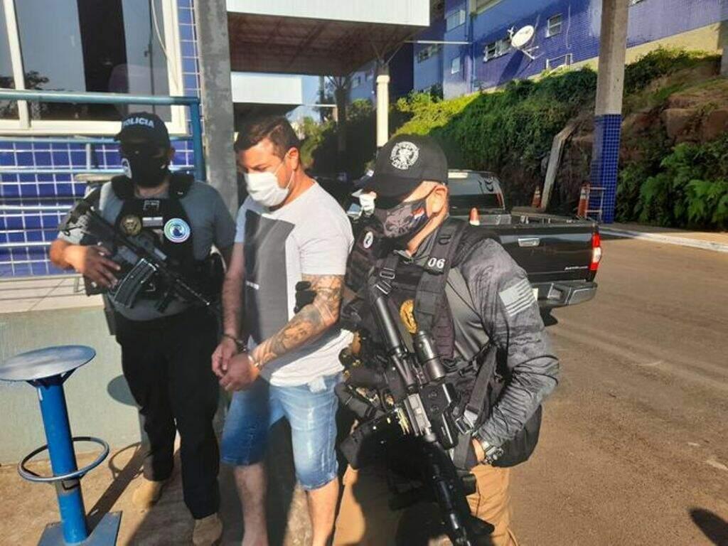 """Fabiano Signori, o """"Toro"""", no momento em que era expulso do Paraguai (Foto: Divulgação)"""