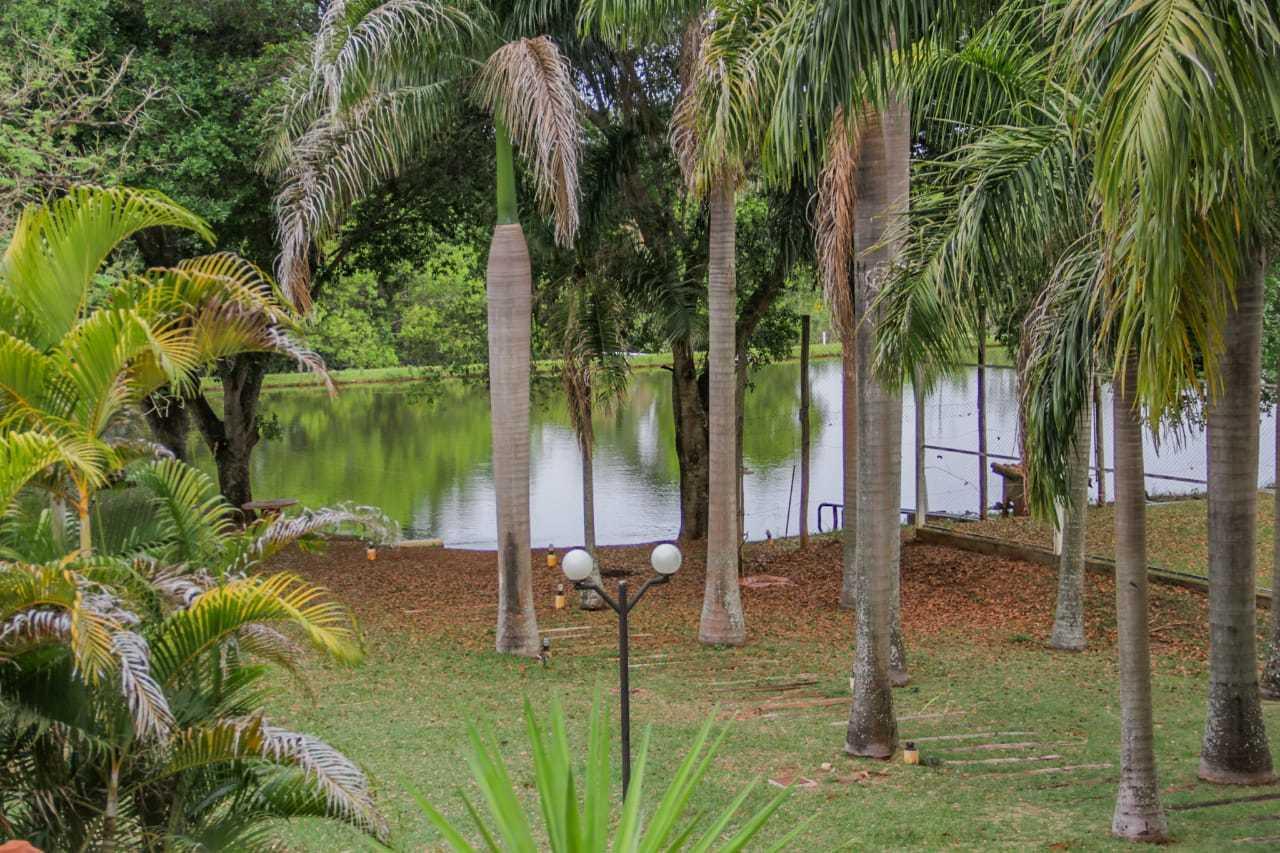 Lago onde Mariano e a família adoram pescar. (Foto: Silas Lima)