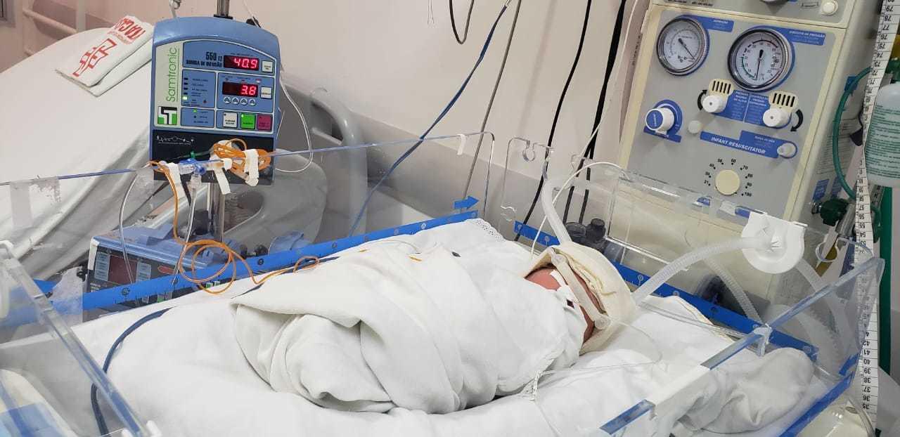 Filho de mãe com quadro de hipertensão e infecção, bebê está internado no centro obstétrico (Foto/Divulgação)