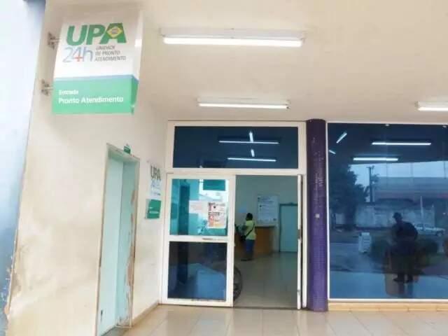Homem baleado foi levado para a UPA (Unidade de Pronto Atendimento) do Universitário. (Foto: Kísie Ainoã)