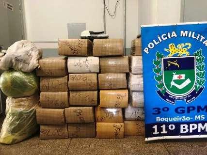 Carro furtado em Belo Horizonte é apreendido com 700 kg de maconha na BR-060