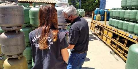 Denúncias sobre cartel levam a irregularidades em revendedores de gás de cozinha