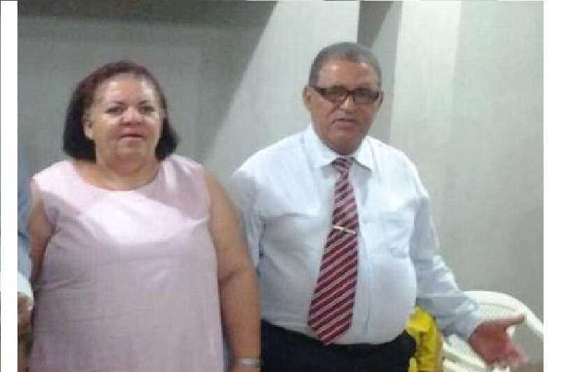 Rose e o marido Silvestre. (Foto: Jovem Sul News)
