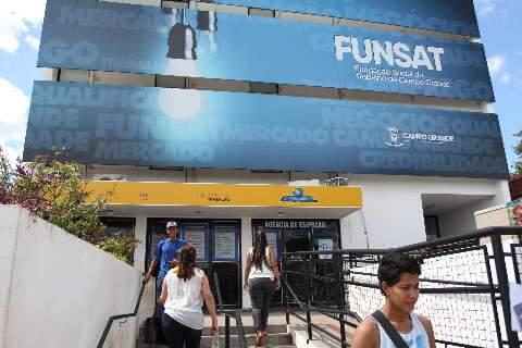 Agência de emprego oferece 30 vagas para operador de telemarketing aprendiz