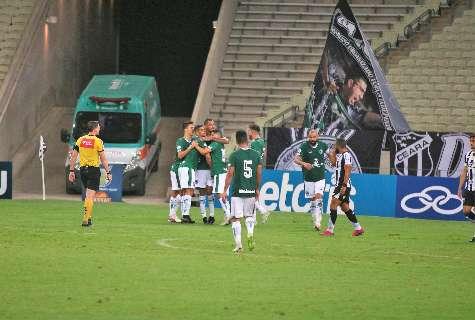Fora de casa, Goiás marca no final e arranca empate por 2 a 2 contra o Ceará
