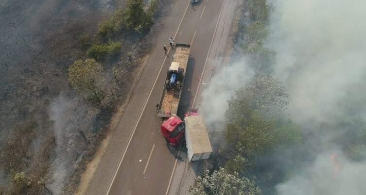 Colisão entre carreta e caminhão na BR-262. (Foto: Divulgação/PRF)