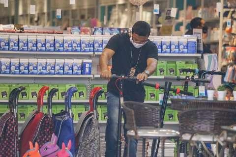 """Com """"xing ling"""" no alvo, ação contra sonegadores recolhe produtos no Centro"""