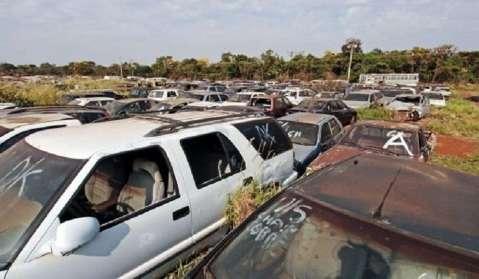 Detran coloca em leilão sucatas de mil motocicletas e mais de 150 carros