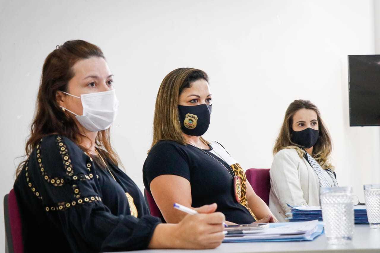 Fernanda Félix, Maira Pachedo e Bárbara Camargo, delegadas da Deam. (Foto: Henrique Kawaminami)