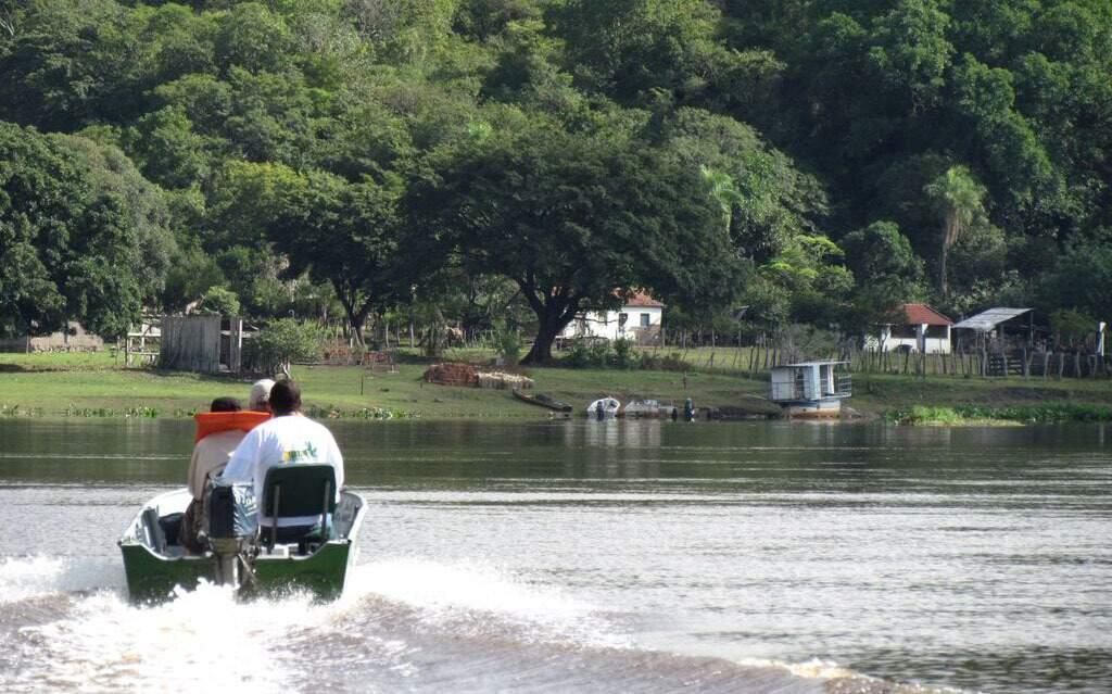Criança caiu de barranco e desapareceu no Rio Paraguai, que corre pela Serra do Amolar. (Foto: Ecoa)