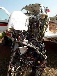 Vídeo mostra aeronave destroçada após queda em fazenda de MS