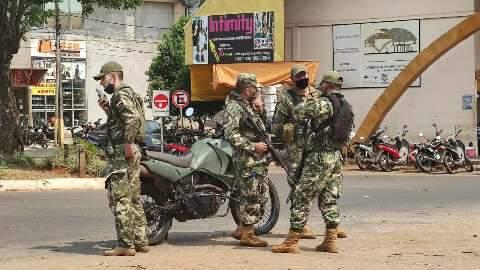 Militares frustram comerciantes e voltam a fechar fronteira