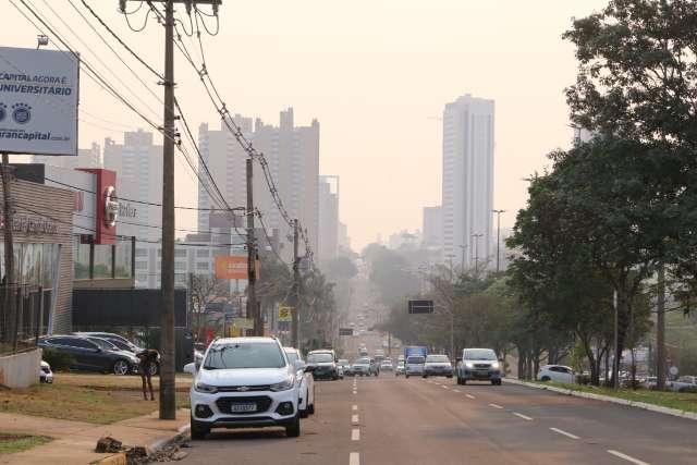 Nem chuva de granizo foi suficiente para acabar com fumaça da Capital