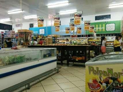 Sem acordo, supermercados de 50 municípios estão proibidos de funcionar amanhã