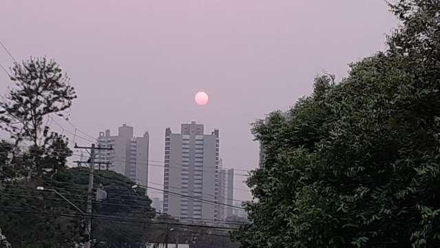 """Resultado da poeira, """"sol vermelho"""" deve continuar até chuva em maior volume"""