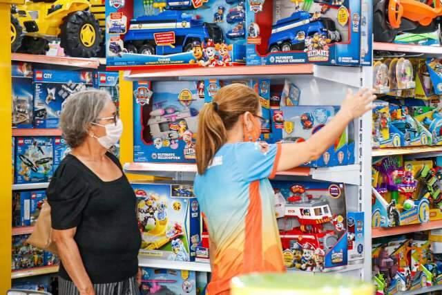 Maioria investiu em média R$ 100 por presente do Dia das Crianças